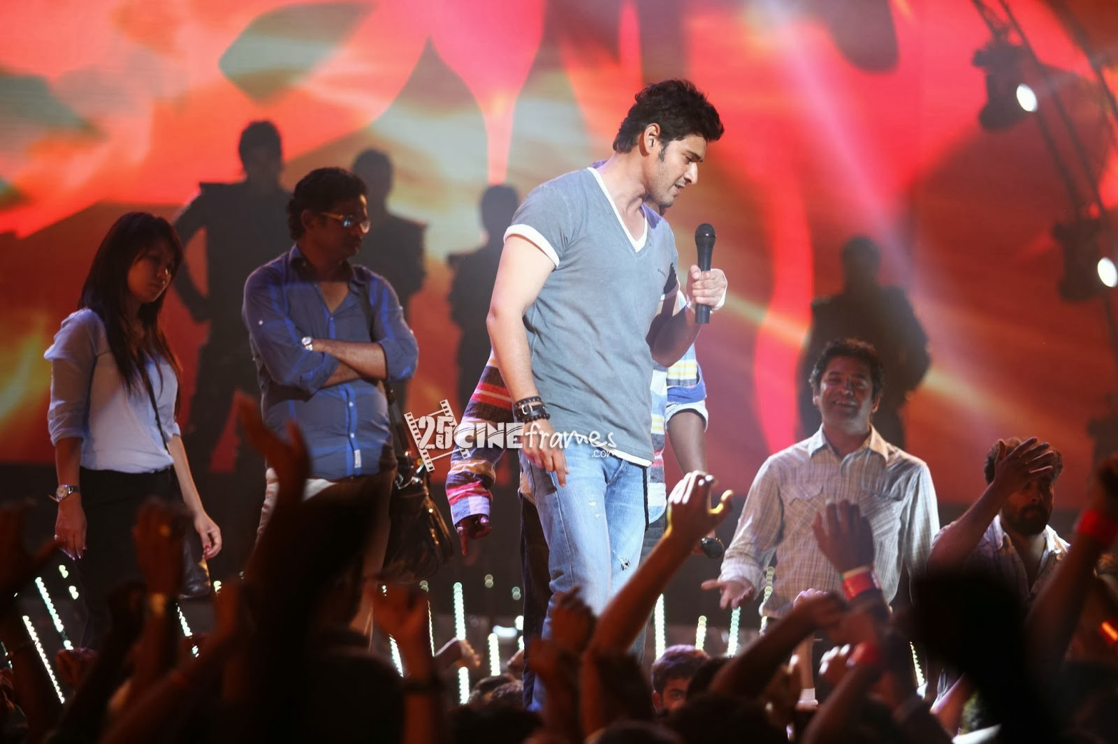 1 Nenokkadine Latest Stills  1 Nenokkadine New Stills