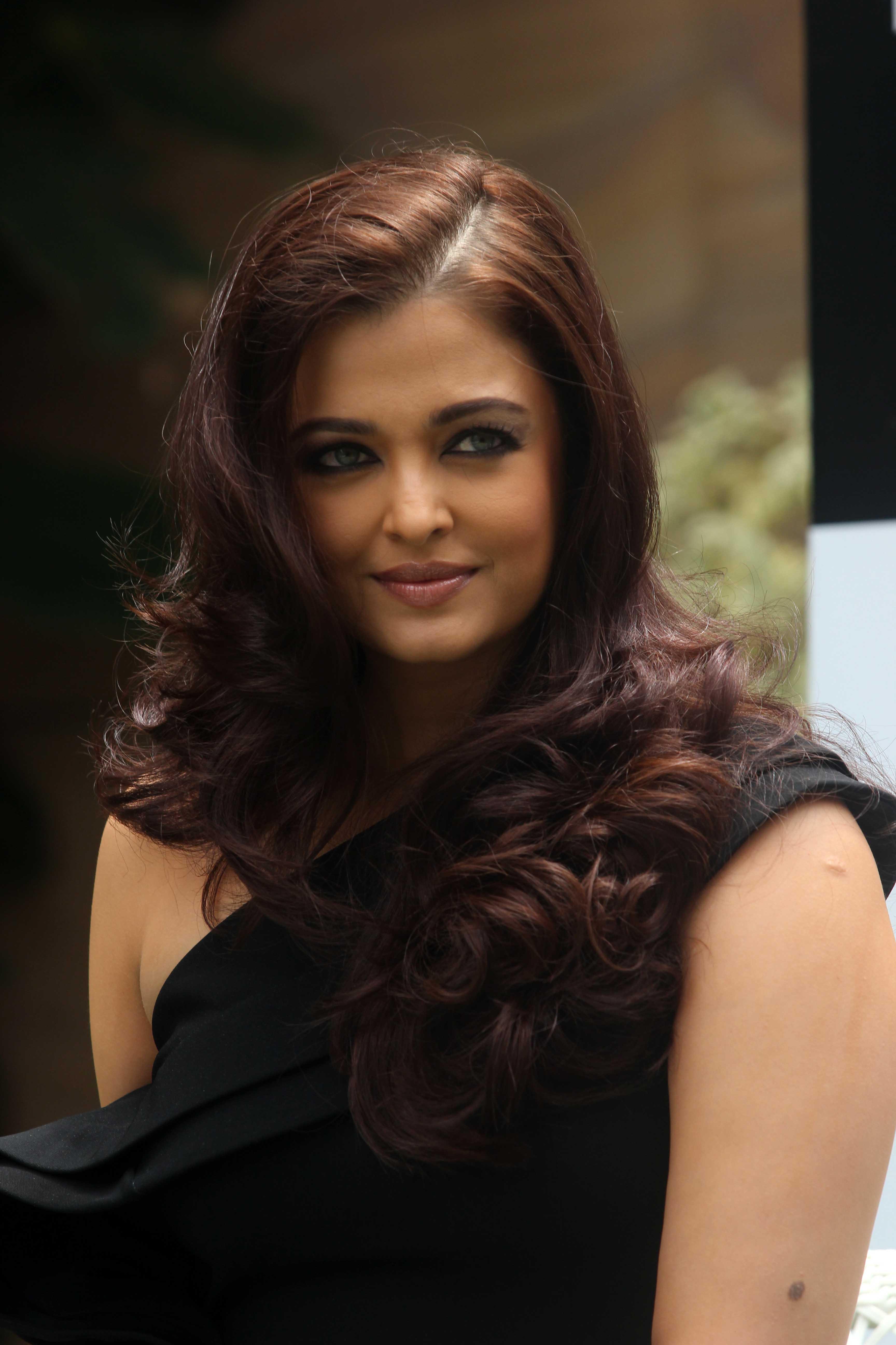 Aishwarya Rai Latest Movie In