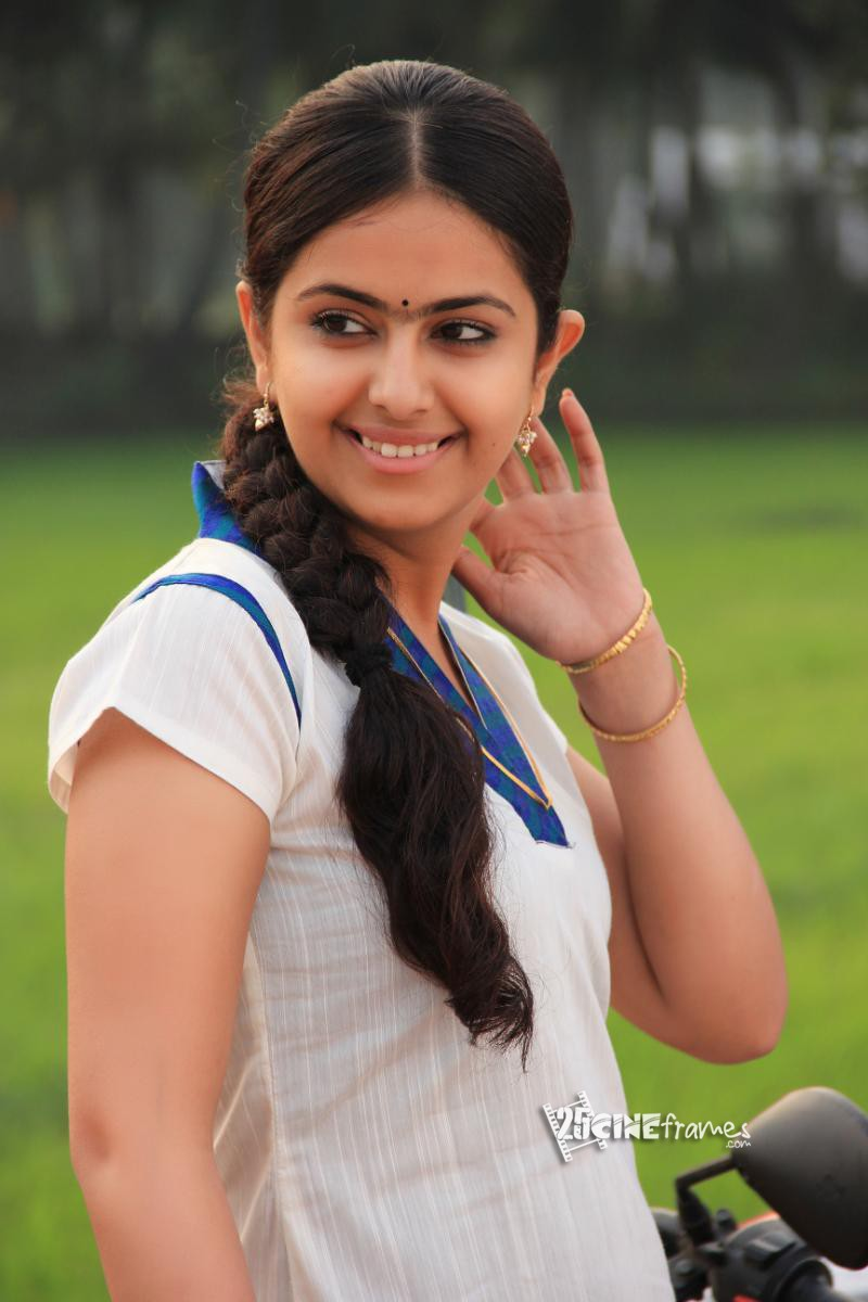 avika gor anandi stills in uyyala jampala movie