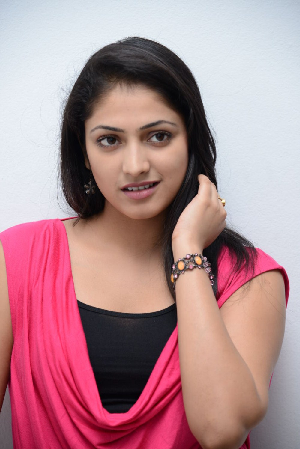 Hari Priya Latest Stills 25cineframes