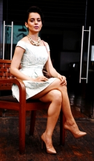 kangna-ranaut-latest-hot-photos-3