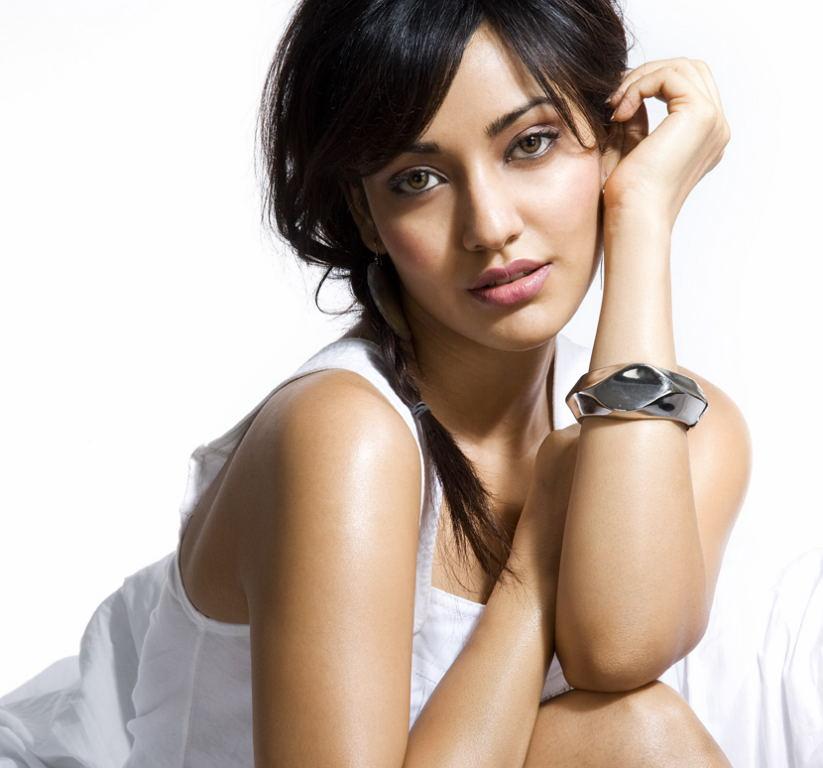 Neha Sharma Hot Photo Shoot  25Cineframes-6322