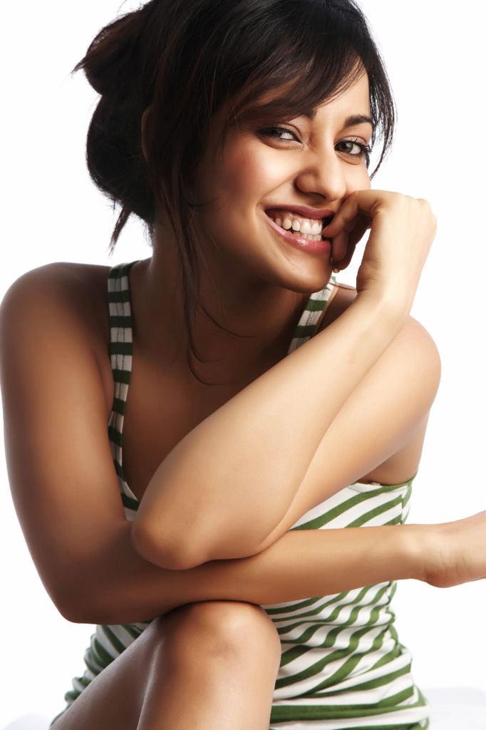 Neha Sharma Hot Photo Shoot  25Cineframes-7542