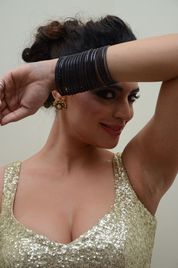 Why The Secret Of A Woman's Allure Lies In Her Armpits