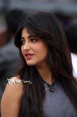 Shruti Haasan Cute Smile Latest Photos 25CineFrames