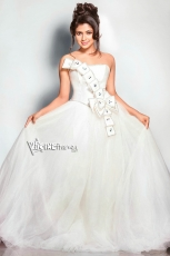 Amala Paul New PhotoShoot in White Dress hot Photos 25CineFrames