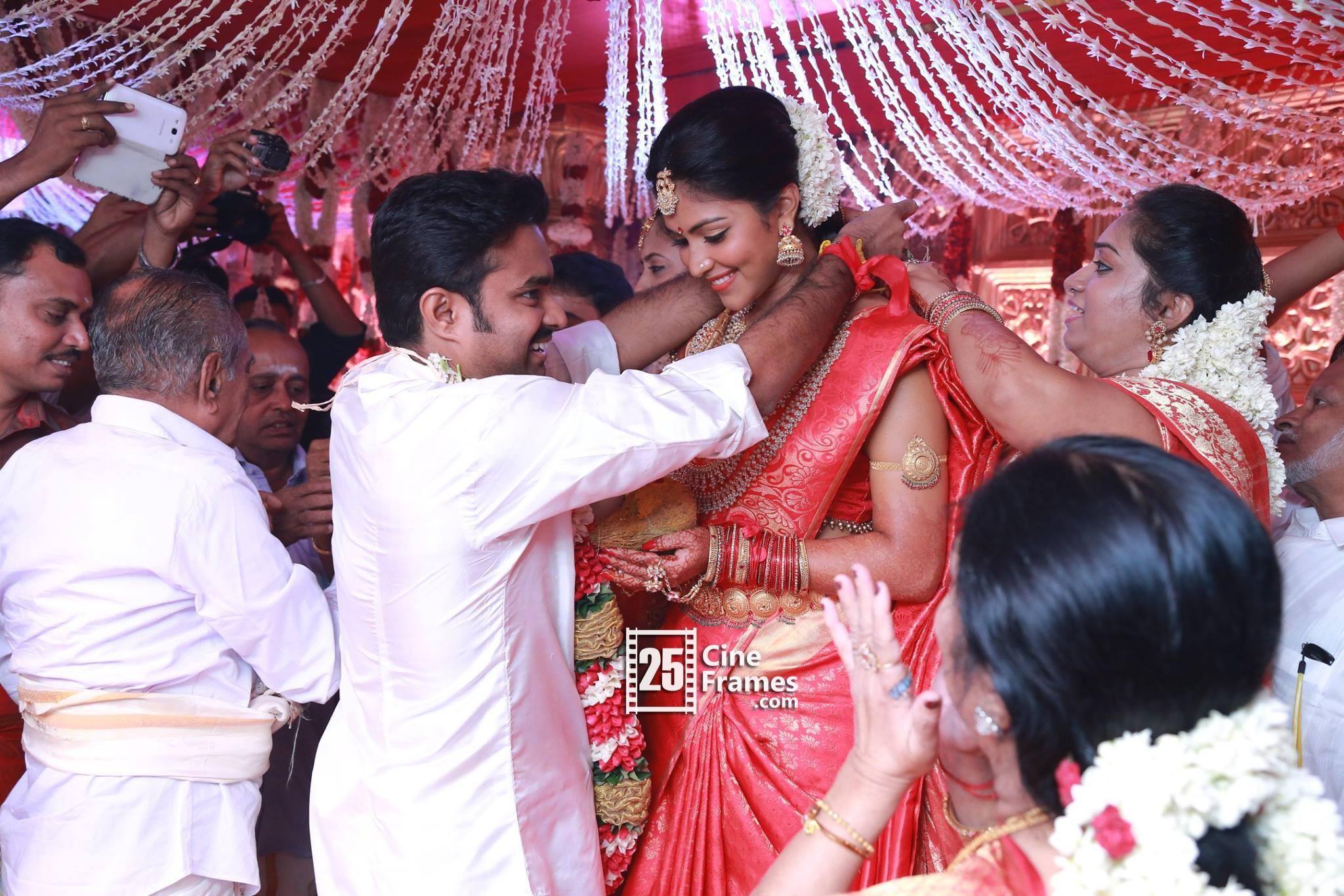 Actress Amala Paul And Director Vijay Marriage Photos