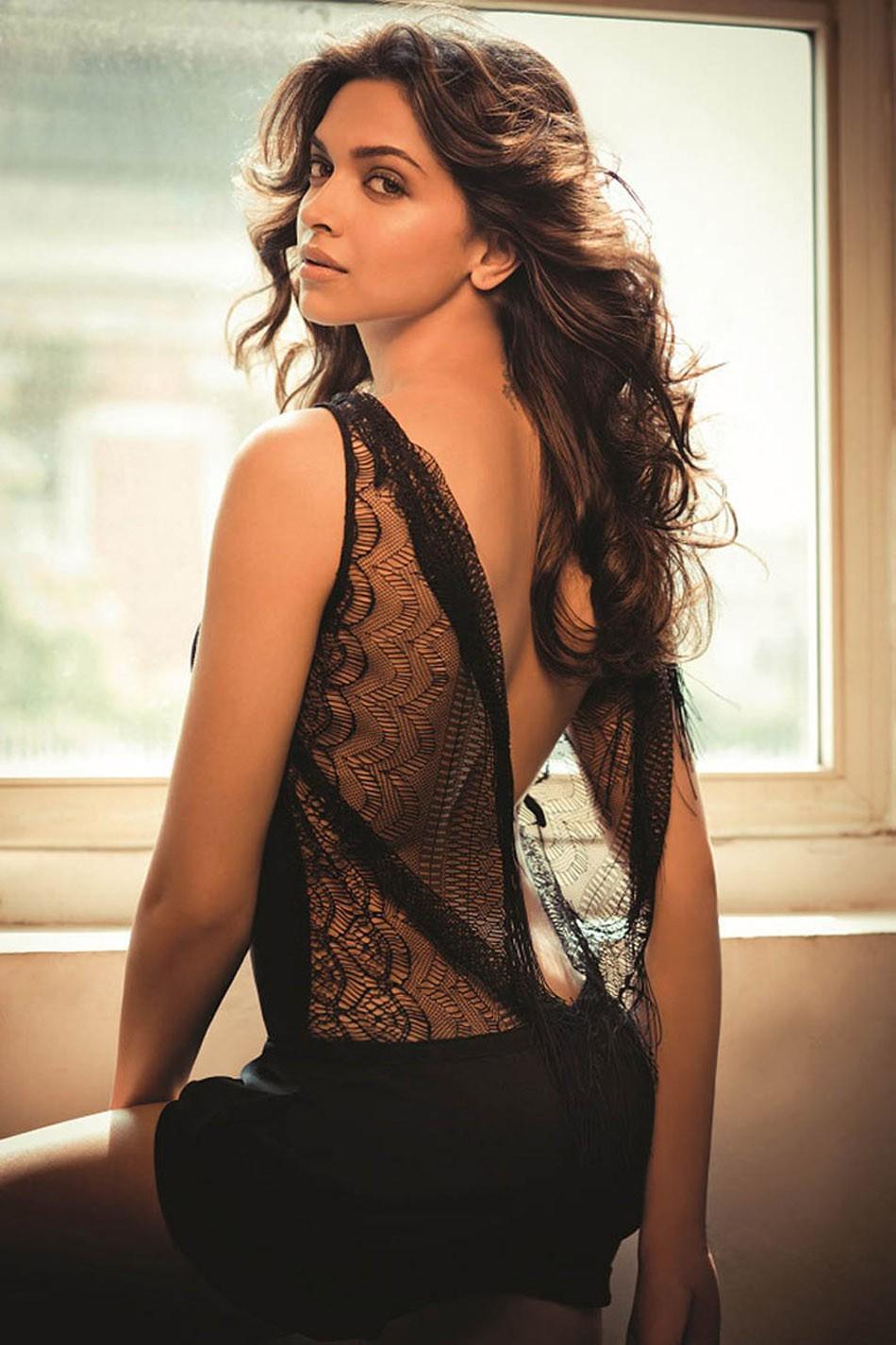 Deepika Padukone Hot Photoshoot Gallery   25CineFrames
