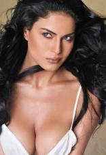 2-Veena-Malik-Hot-Photo-Shoot-Photos
