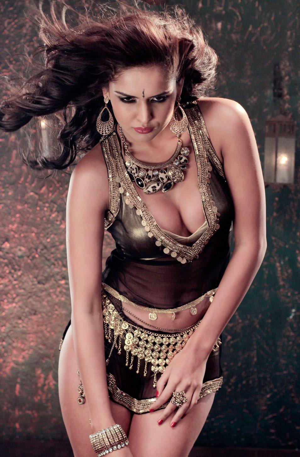 nathalia kaur hot photoshoot in gold and black dress 25cineframes. Black Bedroom Furniture Sets. Home Design Ideas