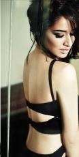 3-Shraddha-Kapoor-PhotoShoot-Poses-for-Filmfare