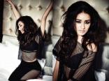 9-Shraddha-Kapoor-PhotoShoot-Poses-for-Filmfare