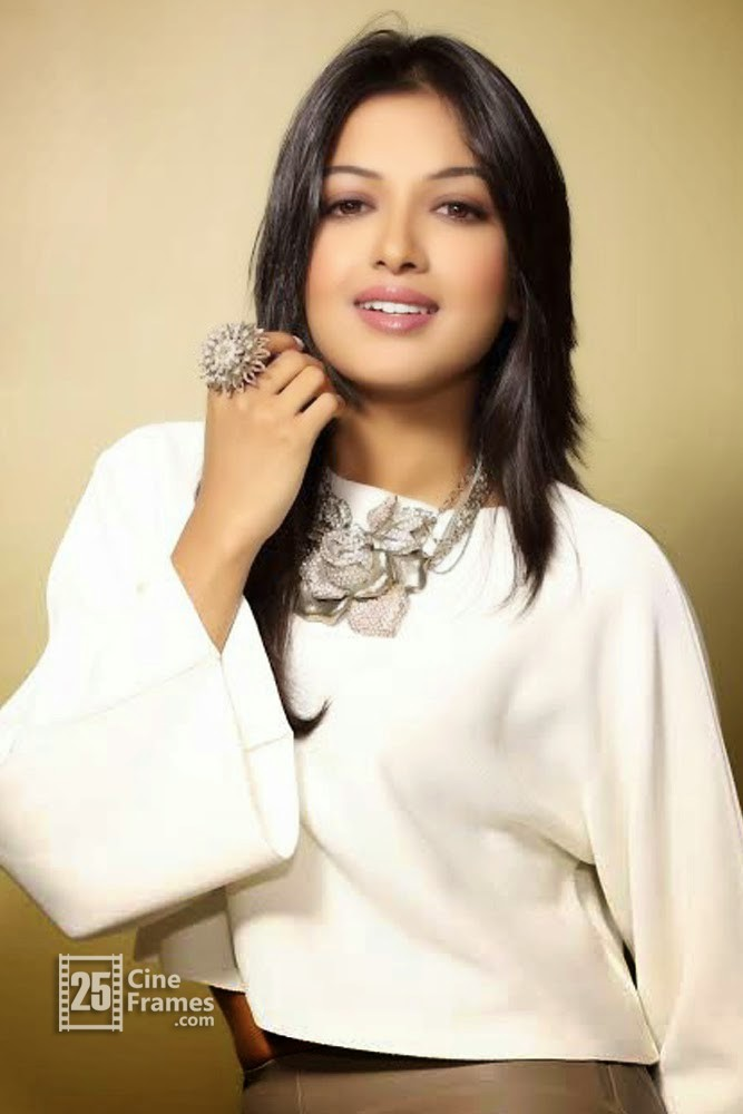 Catherine Tresa Latest Hot Spicy Photoshoot ULTRA HD Photos in Red ...