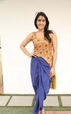 Regina Cassandra Pillanuvvu Leni Jeevitham Actress Photos Gallery