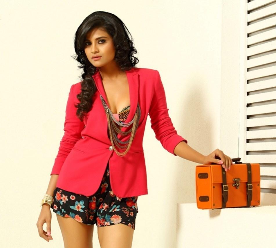 Devayanim New Latest Actress Hot HD Photo Shoot Photos