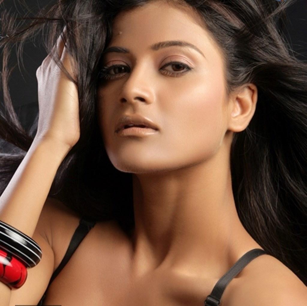 8 Devayanim New Latest Actress Hot HD Photo Shoot Photos