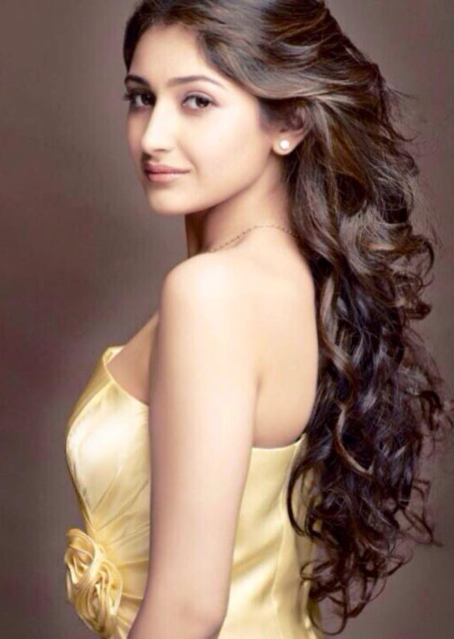 Actress Sayesha Saigal HD Photos Gallery | Akhil Akkineni