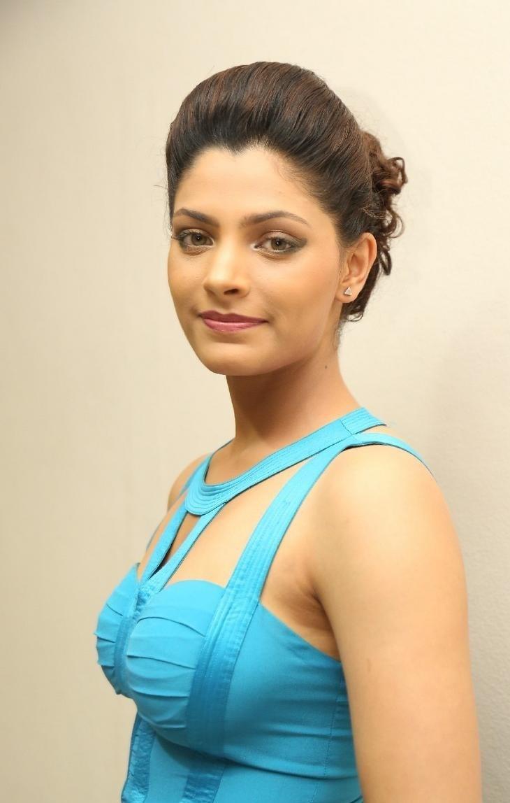 Saiyami Kher Latest HD Photos in Blue Top Black Skirt Dress 'Rey ...