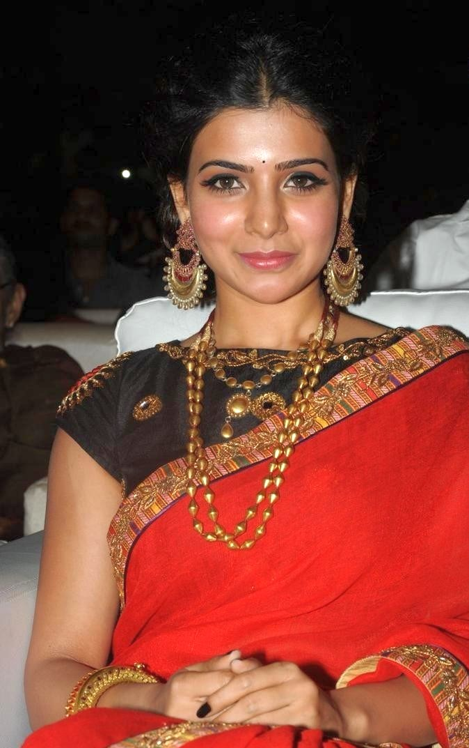 Samantha Red Saree Hot Stills at Son of Sathyamurthy Audio Launch ...