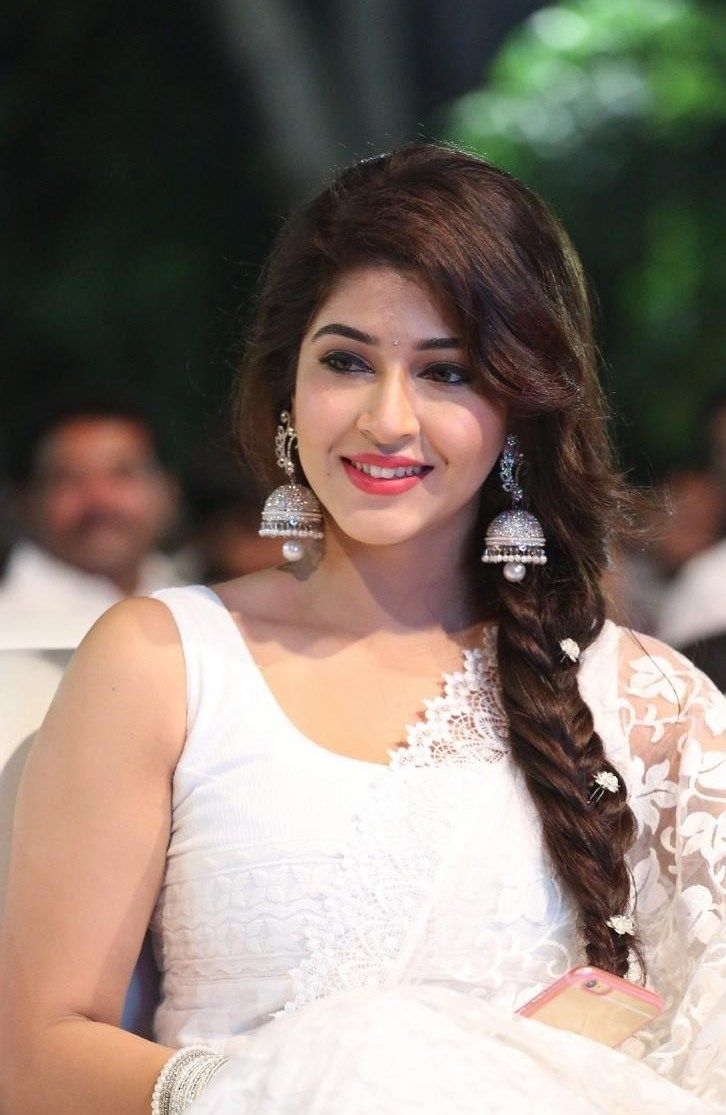 Sonarika bhadoria new latest hd photos in white dress at for Latest hottest pics