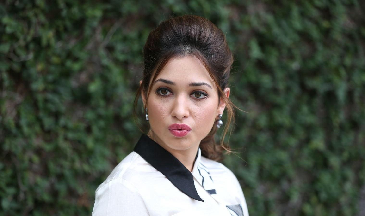 Actress Gorgeous Tamanna Bhatia Cute Photos at Baahubali ...