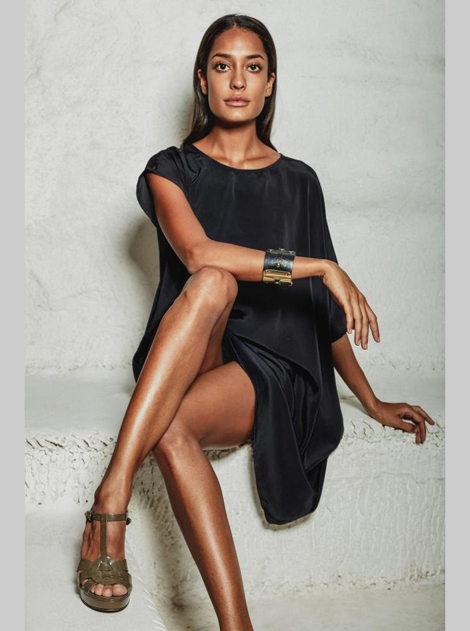 lisa haydon hot photo shoot poses for deme by gabriyella 25cineframes. Black Bedroom Furniture Sets. Home Design Ideas