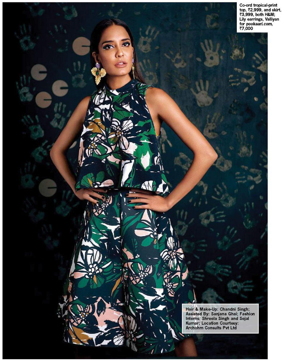 lisa haydon hot latest photo shoot poses for cosmopolitan magazine