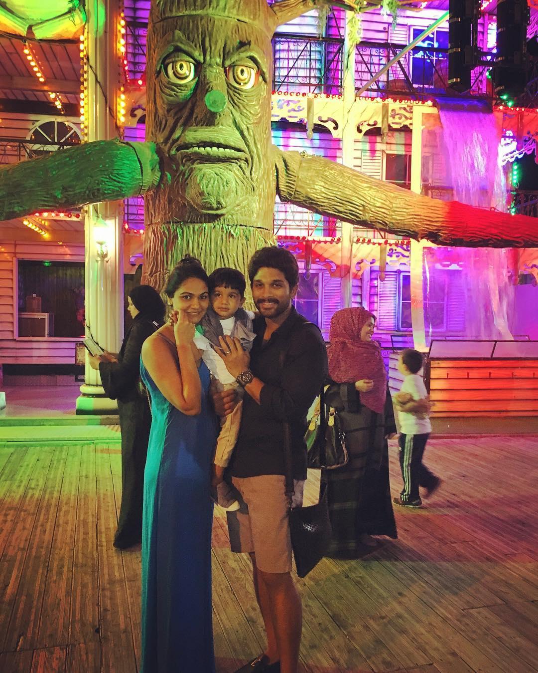 Allu Arjun Family Photos Stylish Star Wife Sneha Reddy