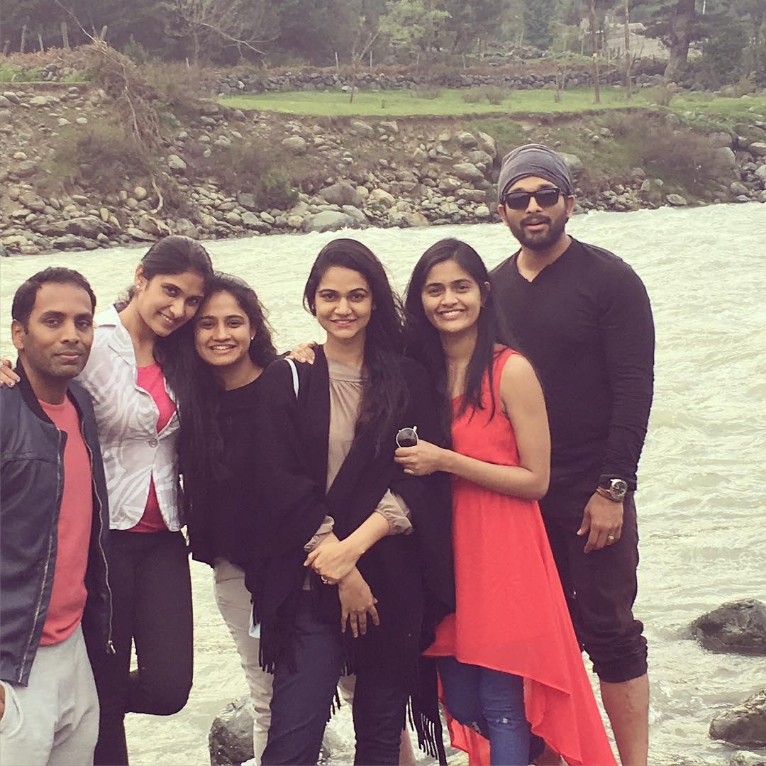 Allu Arjun Family Photos   Stylish Star, Bunny Wife Sneha Reddy and ...