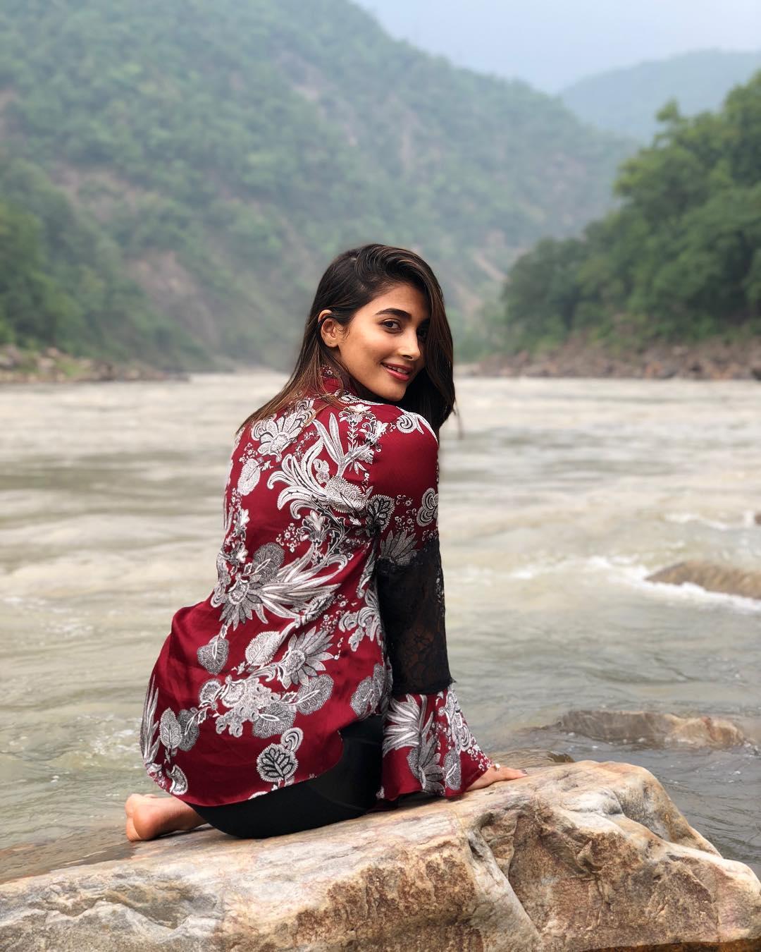 Pooja Hegde New Latest HD Photos