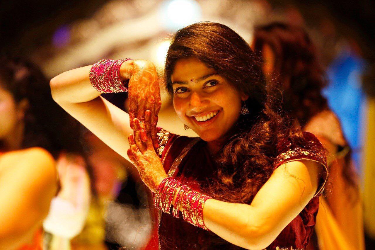 Fidaa Movie Hd Photos Stills Varun Tej Sai Pallavi Images