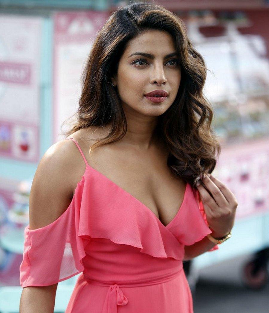 Priyanka Chopra Pink Dress Ultra Hd Latest Photos Leaked 2017  Pc At 3Rd Third -8535