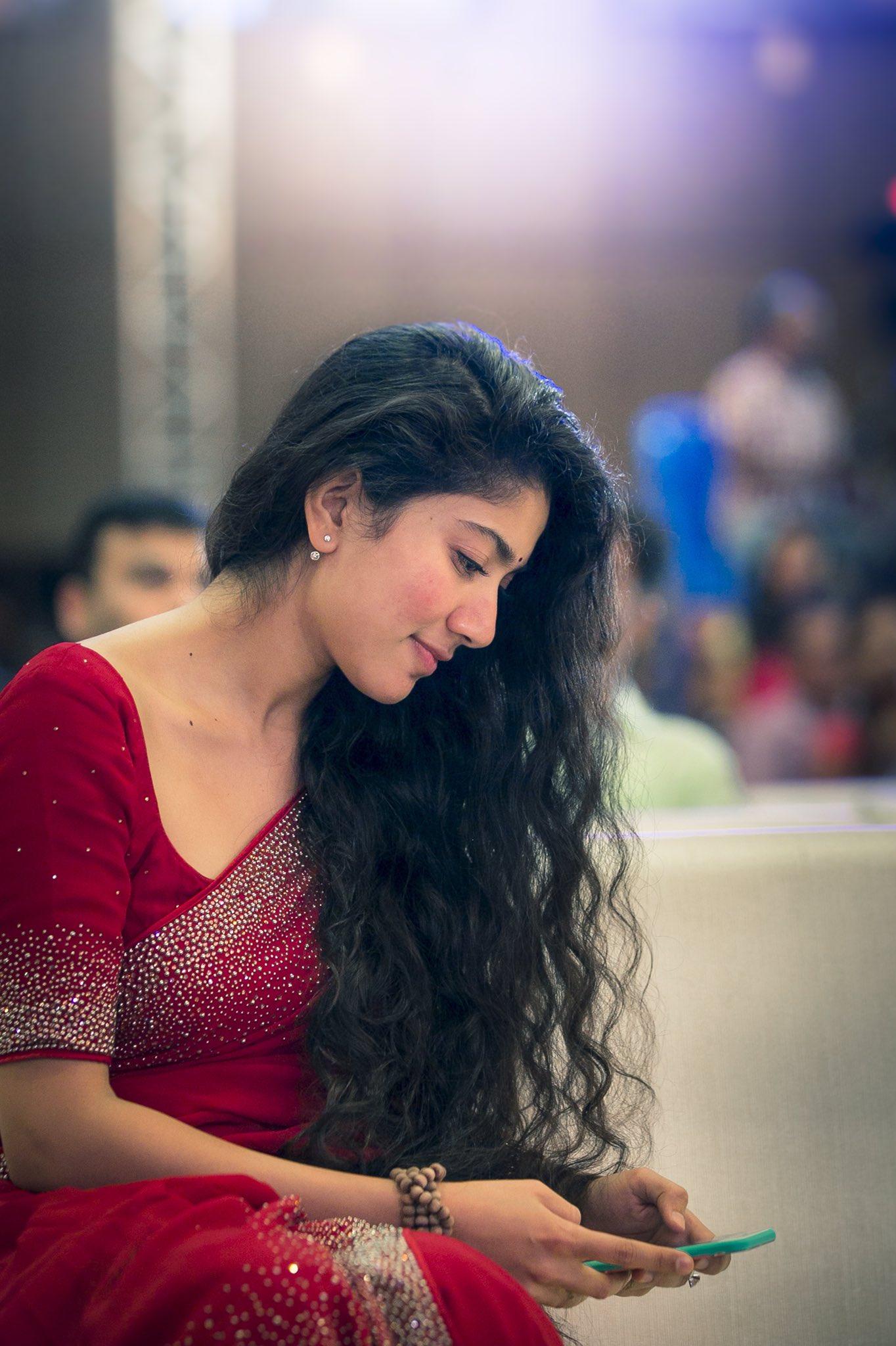 Sai pallavi new latest hd photos fidaa movie heroine sai New all hd video
