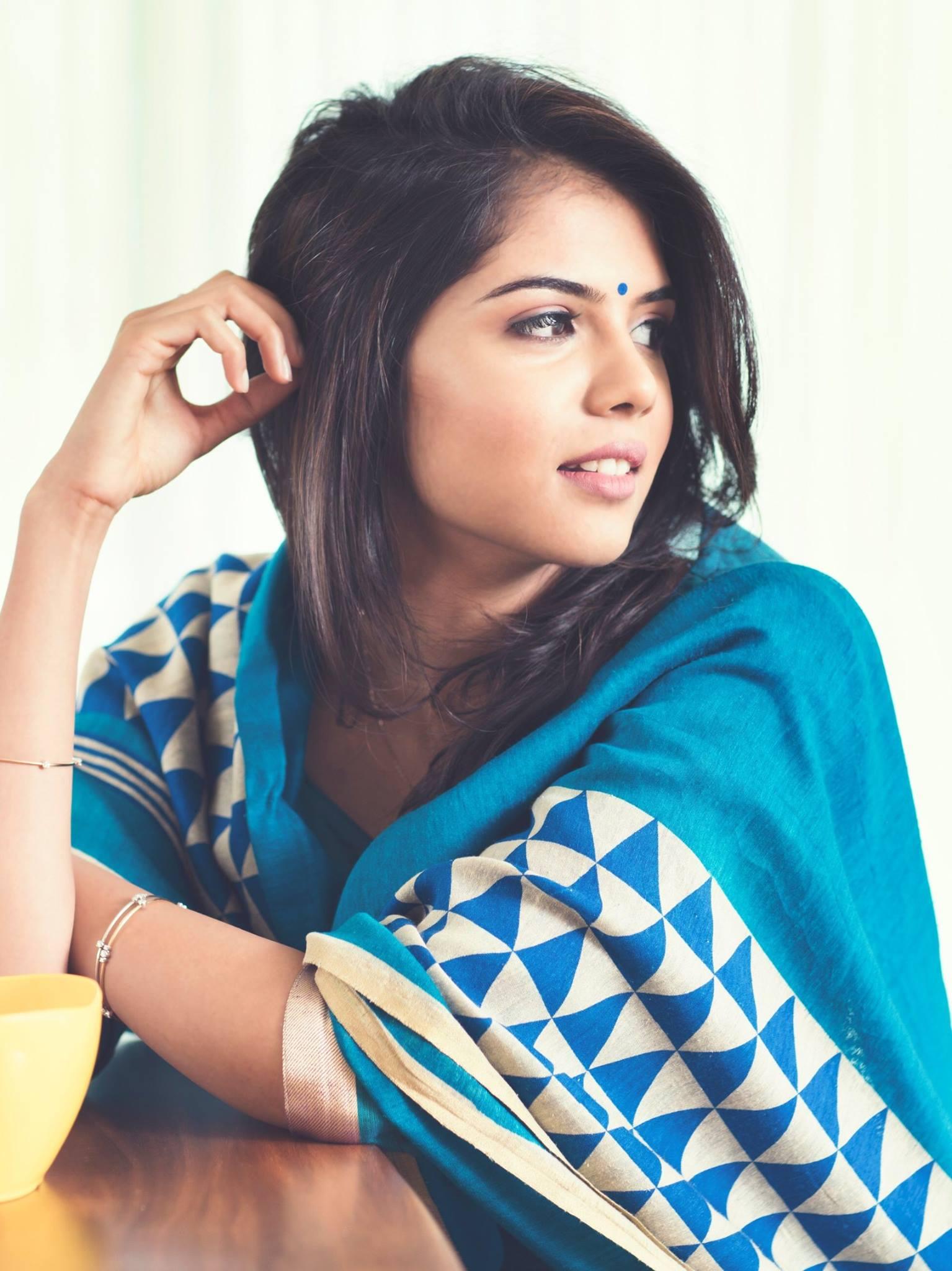 Kalyani Priyadarshan New Latest Hd Photos Akhil Akkineni Hello