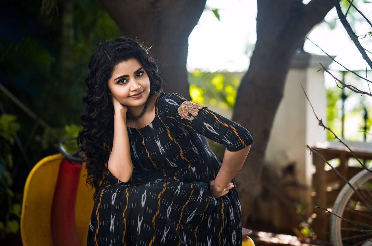 Anupama Parameswaran New Latest Hd Photos Krishnarjuna
