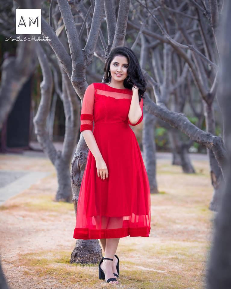Anupama Parameswaran New Latest Hd Photos Krishnarjuna Yuddham