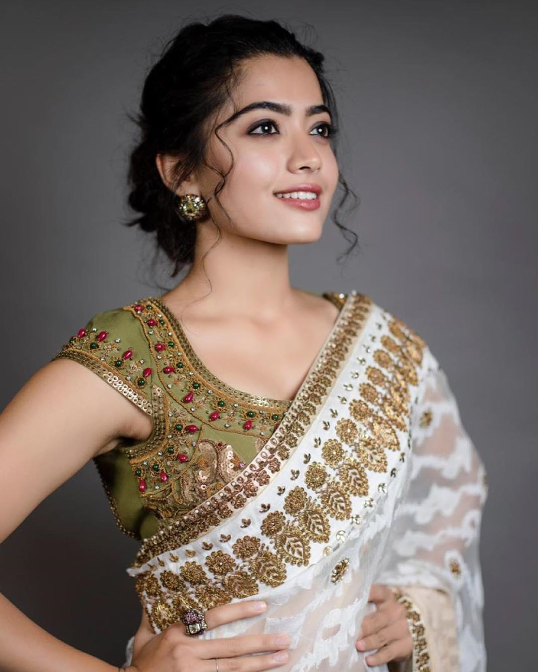 Rashmika Mandanna New Latest Hd Photos Sarileru Neekevvaru Bheeshma Movie Heroine Actress Rashmika Mandanna Photo Shoot Images 25cineframes