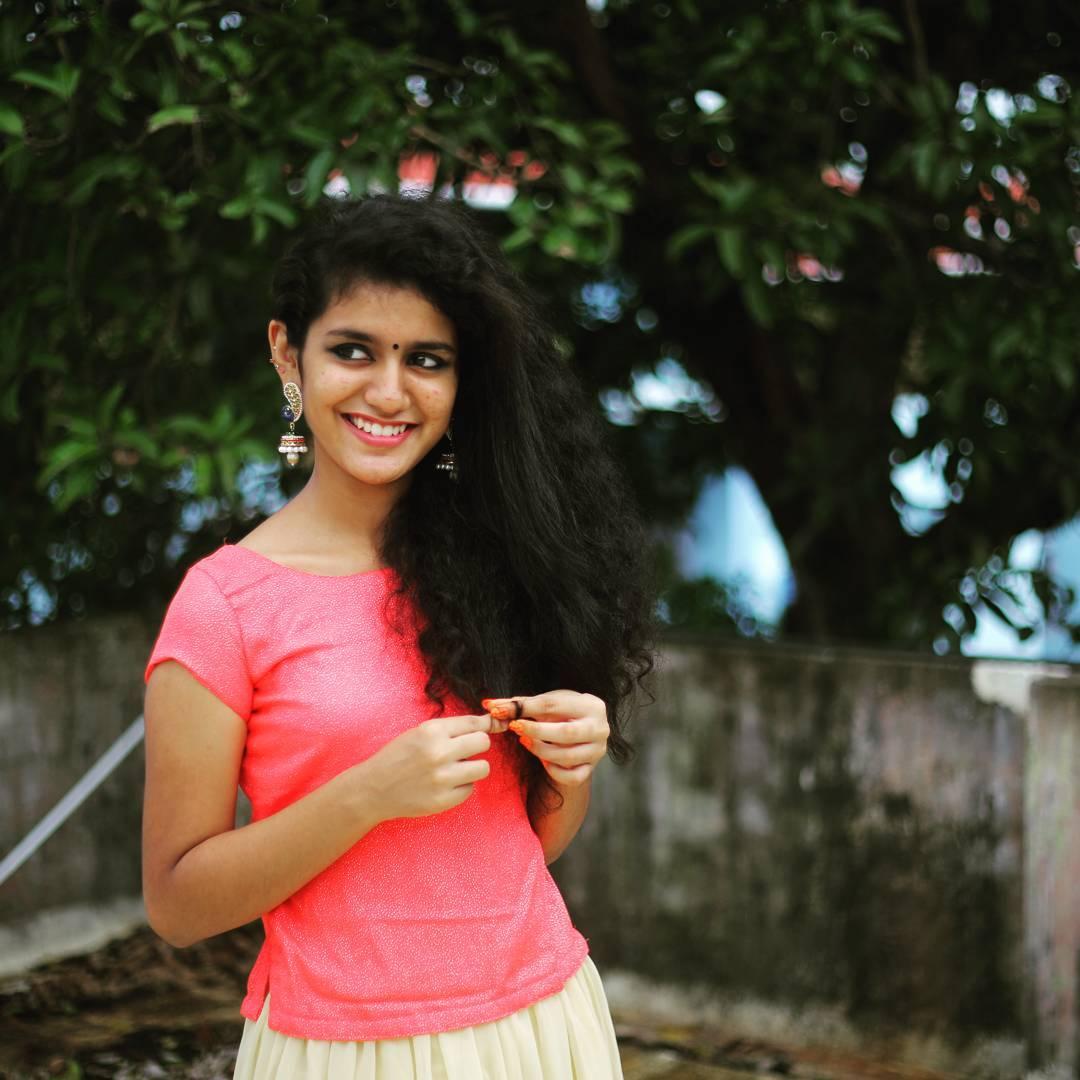 Priya Prakash Varrier New Latest HD Photos