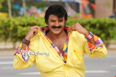 Balakrishna to Romance with 7 Actresses