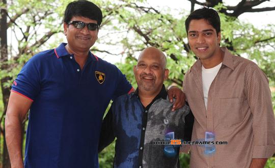 Allari Naresh - Ravi Babu Movie Title 'Laddu Babu'