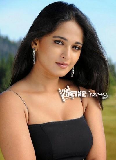 Anushka to pair up Rajinikanth