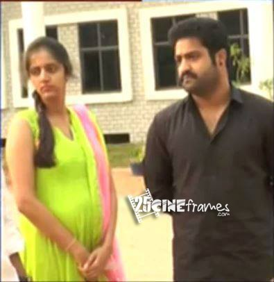 Jr-NTR's-wife-Lakshmi-Pranathi-Pregnant-Spotted-with-Baby-Bump