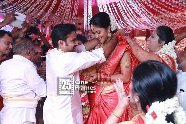 Amala Paul married Director Vijay