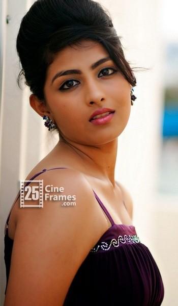 Venkatesh's daughter Kruthika Jayakumar heroine debut