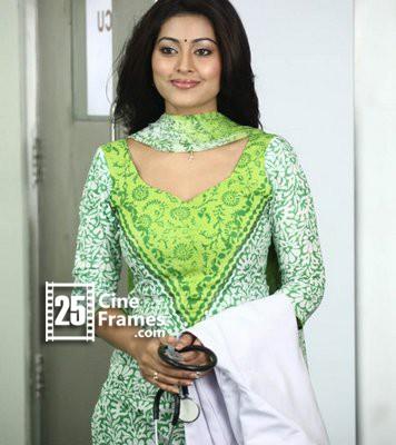 Actress Sneha Prasanna Pregnant With First Child!