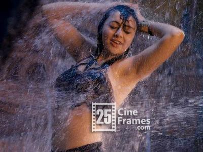 Don't Miss Hansika Dances with Sunny Leone Full Video Song