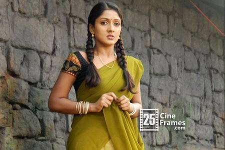 Ace producer makes the actress pregnant