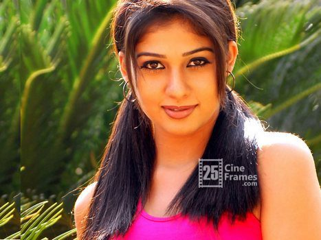 Top Heroine caught while romancing in Maldives