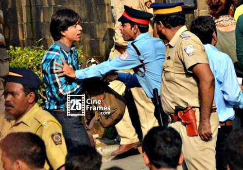 Why Did The Cops Stop Shahrukh From Entering His Own House