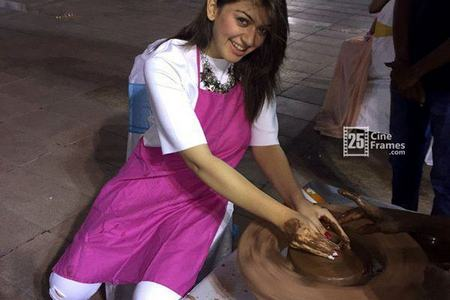 Hansika celebrated Republic day in Mumbai with her ...